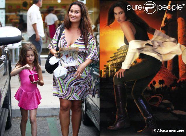 Tia Carrere et sa fille Bianca, 7 ans, en juillet 2012 à Los Angeles. Les aventures de Sydney Fox sont bien loin...
