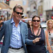 Pierce Brosnan : Élégant et amoureux à Paris avec sa voluptueuse épouse
