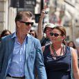 Pierce Brosnan et Keely Shaye Smith : complices dans la rue Saint Honoré à Paris pour une séance shopping le 4 août 2012
