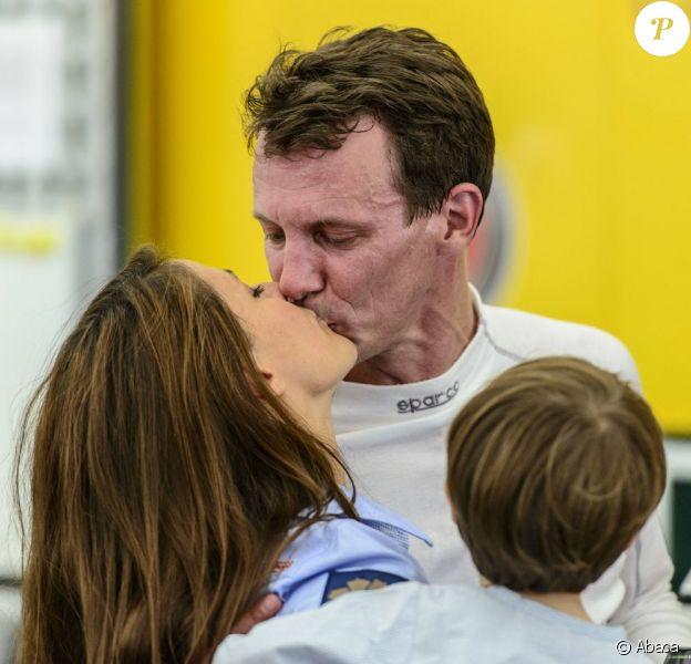 La princesse Marie et le prince Henrik, 3 ans, étaient présents auprès du prince Joachim de Danemark lors du Grand Prix historique de Copenhague le 4 août 2012.