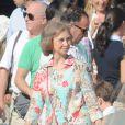 La reine Sofia d'Espagne à l'école de voile de Palma de Majorque le 3 août 2012 pour récupérer ses petits-enfants Victoria et Felipe, qui ont fini leur stage.