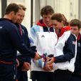 Kate Middleton a rencontré le 6 août 2012 à Weymouth, en marge de la compétition de voile de Laser, les spécialistes britanniques Paul Goodison (Laser), le tandem Stuart Bithell et Luke Patience (470), et le quadruple champion olympique Ben Ainslie, roi du Finn.