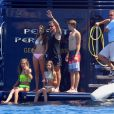 Sylvester Stallone entouré de ses trois filles et de son épouse Jennifer, en pleine balade à bord d'un yacht, sur la Côte d'Azur, le mardi 7 août 2012.
