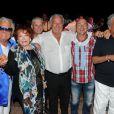 Marcel Campion entouré de Régine, Michou, Vincent Lagaf' et Enrico Macias lors de sa soirée organisée à Saint-Tropez en août