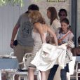 Sharon Stone pendant le tournage d'une scène de  What About Love  à Bucarest, le 8 août 2012.