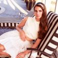 Lana Del Rey pose pour Jaguar