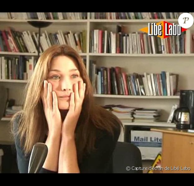 Carla Bruni-Sarkozy dans les locaux de Libération
