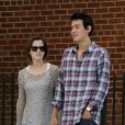 Emma Watson et Will Adamowicz, en couple dans les rues de New York. Le 16 septembre 2012.