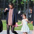 Journée ensoleillée pour Suri Cruise et sa mère Katie Holmes dans un parc de Brooklyn. Le 24 septembre 2012