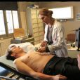 Mathilde Seigner sur le tournage de Médecin-chef à la prison de la Santé, en octobre 2011 - Diffusion du téléfilm le 17 octobre 2012 sur France 2