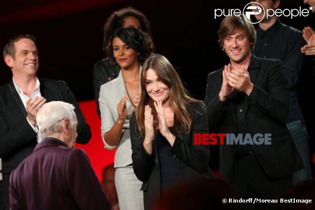 Photos exclusives de Charles Aznavour, Carla Bruni, et tous les grands artistes prises en live sur l'émission Hier Encore diffusée le 29 septembre en prime time sur France 2