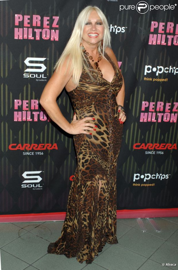 Linda Hogan  au concert One Night In Los Angeles au Wiltern Theatre de Los Angeles le 27 août 2011