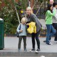 Naomi Watts et son fils Alexander. New York, le 11 octobre 2012.