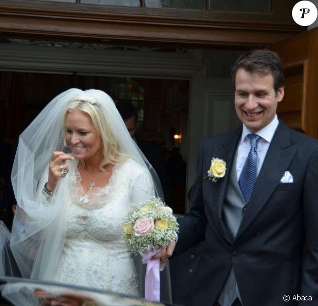 La duchesse Rixa d'Oldenburg célébrait samedi 13 octobre 2012 son mariage avec Stephan Sanders, à Hambourg.