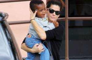 Sandra Bullock maman poule avec son adorable fils Louis Bardo