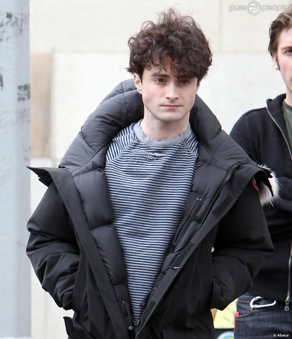 Daniel Radcliffe sur le tournage de Kill Your Darlings le 11 avril 2012 à NEw York