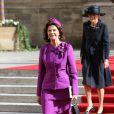 La reine Silvia de Suède sortant de la cathédrale Notre-Dame de Luxembourg où le prince Guillaume et Stéphanie de Lannoy viennent de se marier, le 20 octobre 2012.