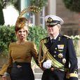 La princesse Maxima et le prince Willem-Alexander des Pays-Bas sortant de la cathédrale Notre-Dame de Luxembourg où le prince Guillaume et Stéphanie de Lannoy viennent de se marier, le 20 octobre 2012.