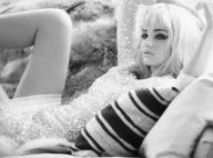 Miranda Kerr devient blonde pour un jeu de rôle glamour