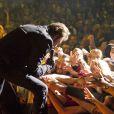 EXCLU : Johnny Hallyday magistral sur la scène du Royal Albert Hall à Londres, le 15 octobre 2012.