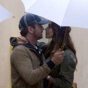 Gerard Butler et sa chérie : Chauds baisers sous la pluie avec Madalina Ghenea