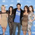 James Franco entouré d'Ashley Benson, Vanessa Hudgens, Selena Gomez et Rachel Korine à Toronto le 7 septembre 2012.
