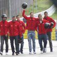 Khedira, Karim Benzema, Cristiano Ronaldo et Coentrao s'apprêtent à faire un tour en Audi RS8 Le Mans avec un ancien pilote de F1 le 8 novembre 2012 sur le circtuit de Jarma à Madrid