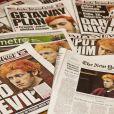 Les unes des journaux après le massacre durant une séance du film The Dark Knight Rises