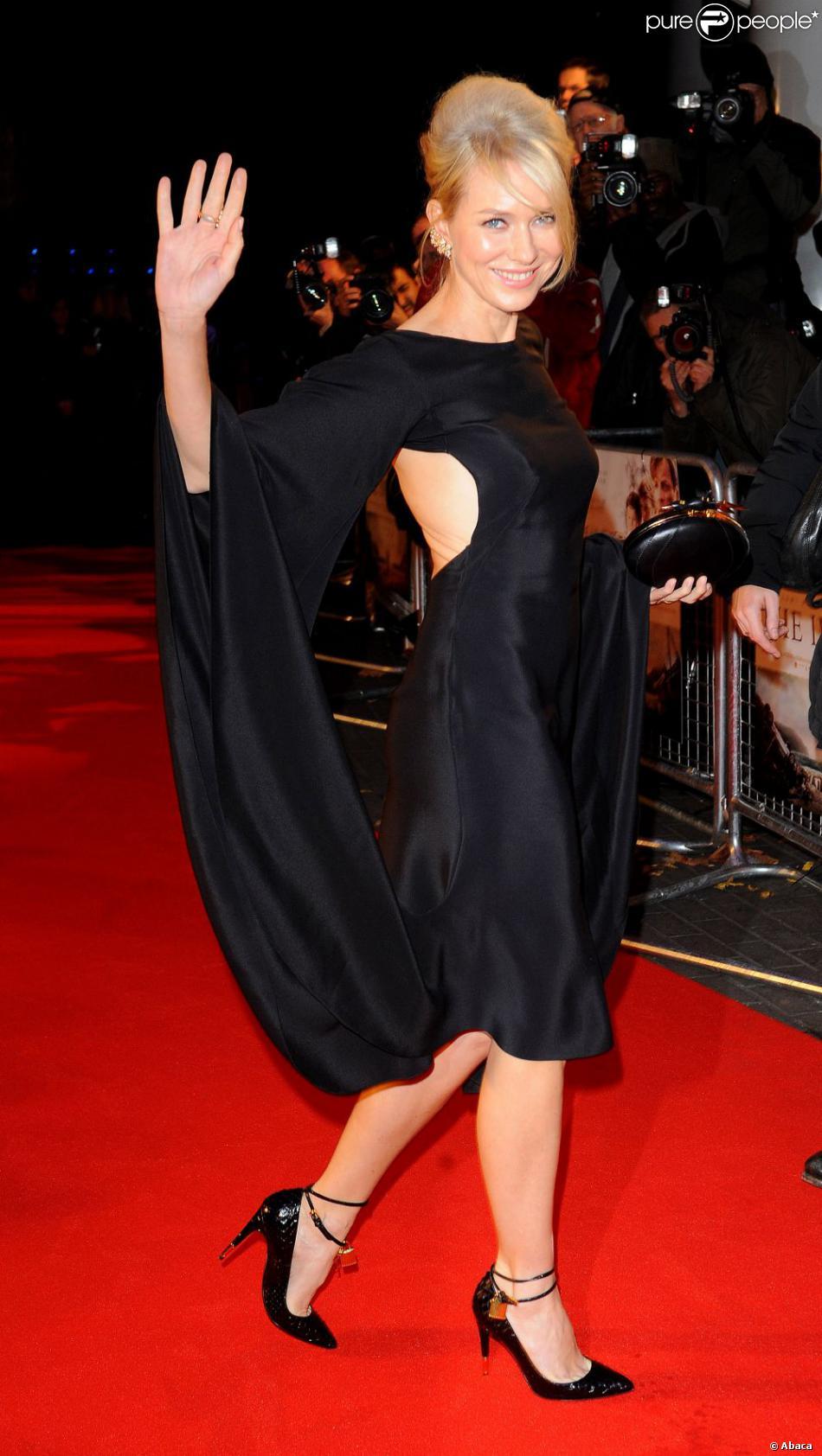 Naomi Watts lors de l'avant-première britannique de The Impossible au BFI Imax de Londres, le 19 novembre 2012.