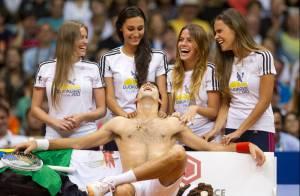 Novak Djokovic : Invité spécial de Gustavo Kuerten pour un show très chaud