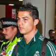 Cristiano Ronaldo l'oeil en bouillie lors de son arrivée à Manchester le 20 Novembre 2012 pour disputer un match de Ligue des champions face aux Citizens