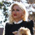 Gwen Stefani, radieuse à son arrivée chez ses parents pour célébrer Thanksgiving. Los Angeles, le 22 novembre 2012.