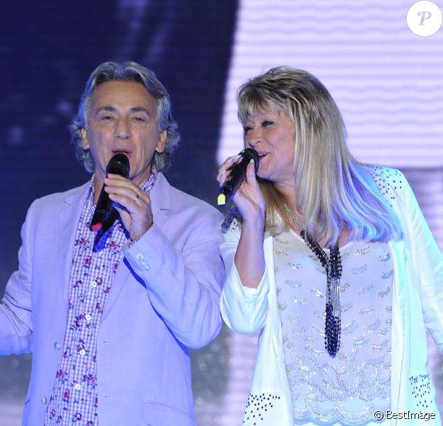 Peter et Sloane lors de l'émission Vivement dimanche enregistrée le 9 octobre dernier, et durant laquelle le chanteur a annoncé son départ à sa partenaire.