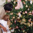 Michelle Obama a dévoilé les décorations de Noël de la Maison Blanche en présence d'enfants de militaires, le 28 novembre 2012 à Washington.