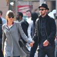 """Jessica Biel et Justin Timberlake, jeunes mariés, se rendent au cinéma voir le film """"Skyfall"""" à New York, le 11 novembre 2012."""