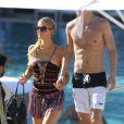 Paris Hilton profite d'un moment complice avec son amoureux River Viiperi à Miami le 7 décembre 2012.