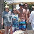 Hayden Panettiere et Scotty McKnight en vacances au Mexique en juillet 2012. Le couple, formé en 2011, se séparera en décembre 2012.