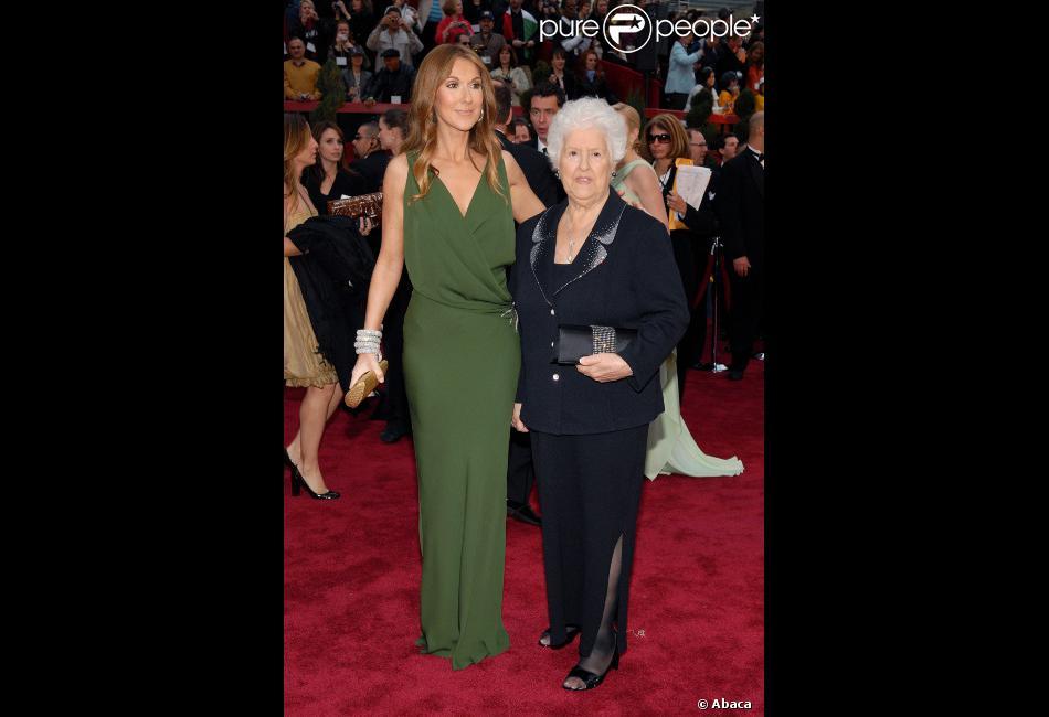 Céline Dion et sa mère Thérèse Dion à la cérémonie des Oscars à Los Angeles le 25 février 2007.