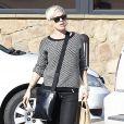 La chanteuse Pink fait du shopping. Elle a été photographiée dans les rues de Los Angeles, le 15 décembre 2012.