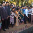 Les obsèques de Jacintha Saldhana, ont eu lieu en présence de son mari Benedict Barboza, son fils de 16 ans, Junal, et sa fille de 14 ans, Lisha, dans la petite ville de Shirva, dans le Sud-Ouest de l'Inde, le 17 décembre 2012.
