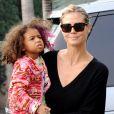 Heidi Klum et sa fille Lou Samuel à Los Angeles, le 25 novembre 2012.