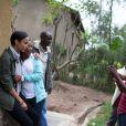 """Sonia Rolland était en voyage humanitaire au Rwanda, son pays d'origine, fin novembre - début décembre 2012 pour le compte de son association Maïsha Africa. Elle rend visite à des """"Chefs de famille"""" à Kinyinya."""