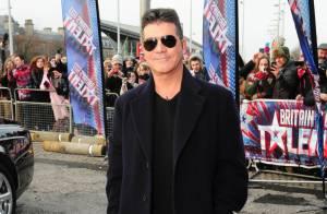 Simon Cowell : Très occupé auprès d'Alesha Dixon sexy et de cinq jeunes filles