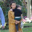 Joel Madden et son fils Sparrow rejoignent Nicole Ricchie a son hotel a Beverly Hills, le 19 janvier 2013.