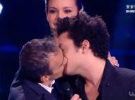 NRJ Music Awards 2013: Elie Semoun embrasse Kev Adams sous l'oeil de Miss France