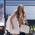 Jennifer Love Hewitt se dépêche sur le plateau de tournage de sa série The Client List, le 31 janvier 2013