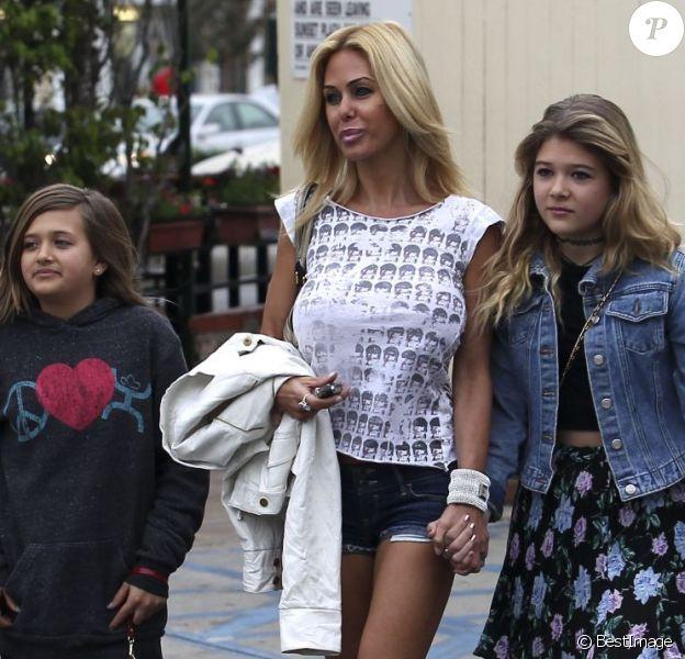Shauna Sand, très distinguée, et ses filles Isabella et Victoria lors d'un déjeuner au Med Cafe de Los Angeles, le 2 février 2013