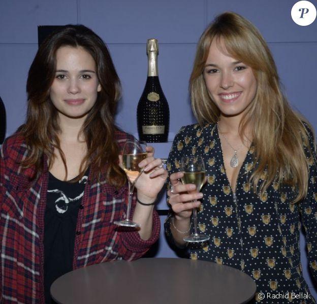 Lucie Lucas et Elodie Fontan lors de la galette des rois au show room de Nicolas Feuillatte à Paris - février 2013