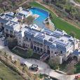 Vue aérienne, en janvier 2012, du véritable palais dans lequel vivent Gisele Bündchen, Tom Brady et leurs enfants, à Brentwood, Los Angeles. Un terrain à 11 millions de dollars, une maison à vingt...