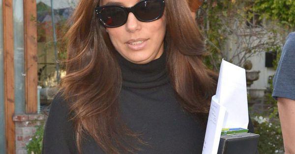Eva longoria la sortie du salon de coiffure de son grand for Salon de coiffure sexy